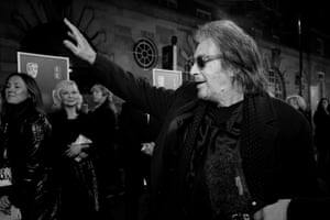 Al Pacino waves to the crowd as he arrives