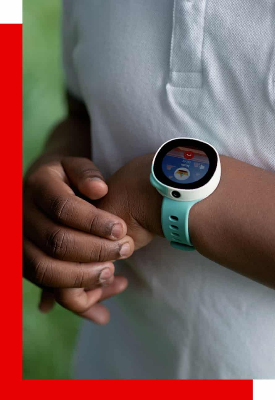 Closeup of Neo smartwatch