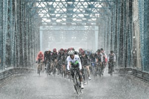 Torrential rain at the Tour de Yorkshire