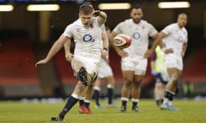 England captain Owen Farrell kicks a penalty.