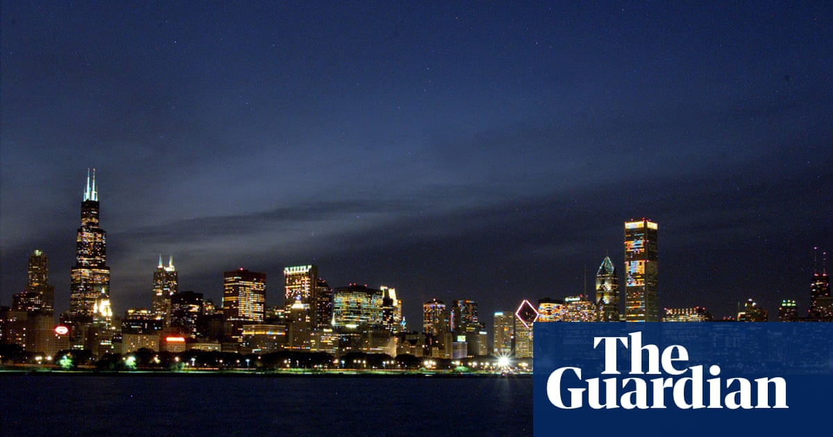 Turning off building lights at night cuts bird collisions, study shows