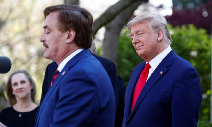 Trump with MyPillow chief Mike Lindell, who is reportedly considering a run for Minnesota governor, with Trump's encouragement.