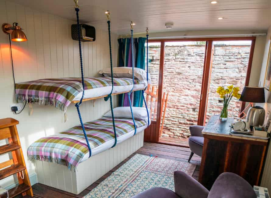 Bunk beds and horsebox glamping at Brooks Country House