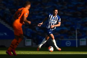 Lewis Dunk has extended his Brighton contract.