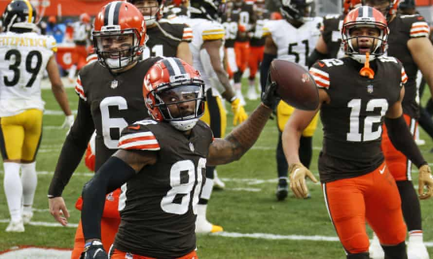 Cleveland Browns wide receiver Jarvis Landry (80) celebrates after scoring a three-yard touchdown during the second half