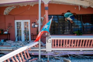 Another collapsed building in Guanica