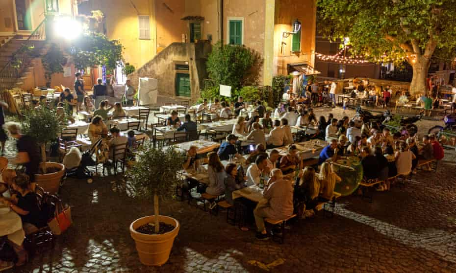 Tables at Cantina Simonetti in central Frascati.