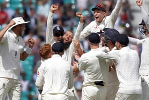 Moeen Ali celebrates with his team-mates after getting the final wicket of Morne Morkel and finishing the match with a hat-trick during the 5th day of the England v South Africa 3rd test match.