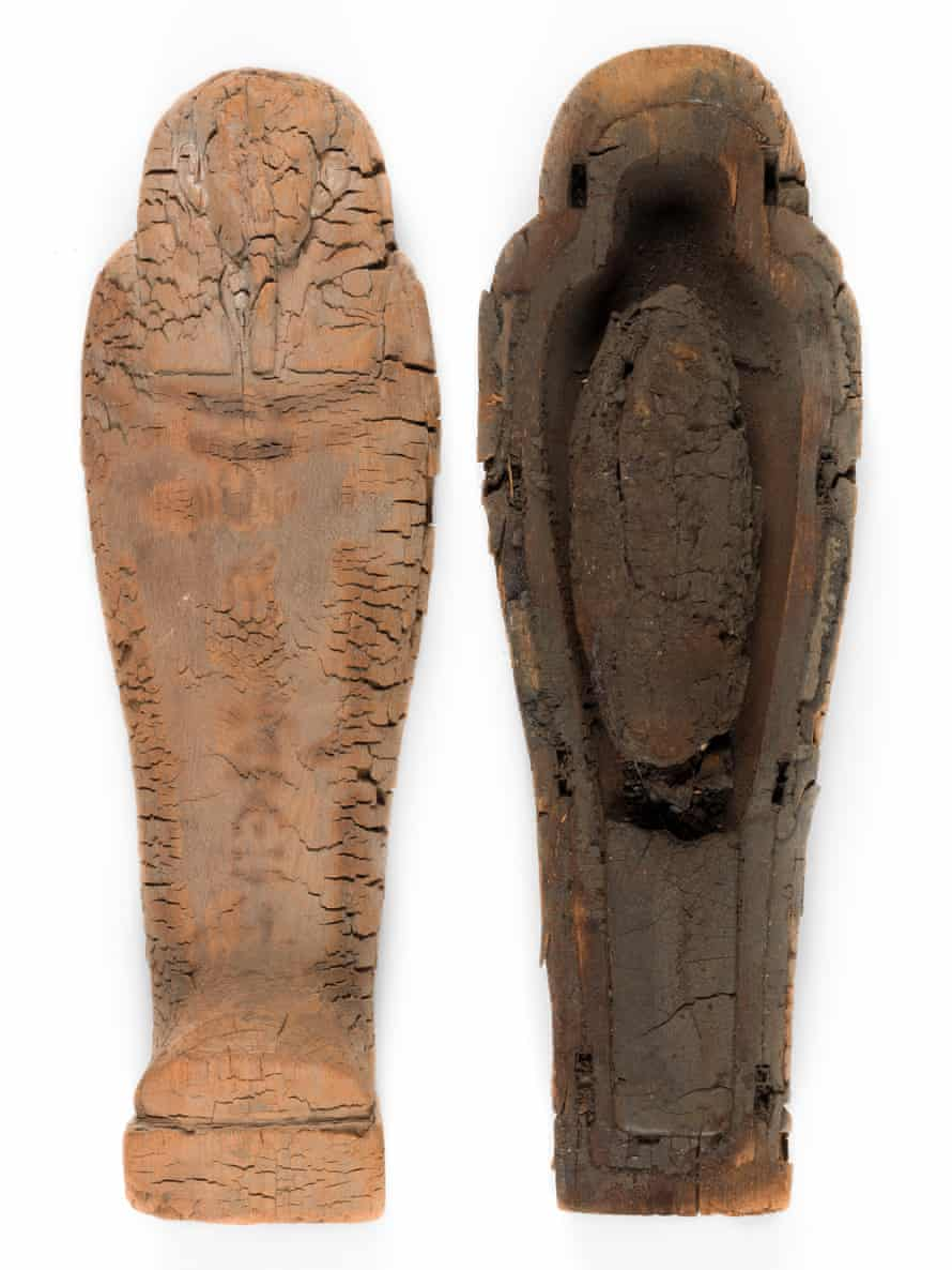 It was assumed that the small, black bundle inside the coffin was preserved organs. However micro-CT scans revealed a mummified foetus.