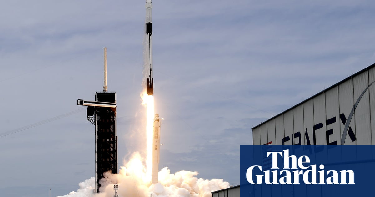 SpaceX rocket heads to ISS with a supply of squid, toothpaste and avocados