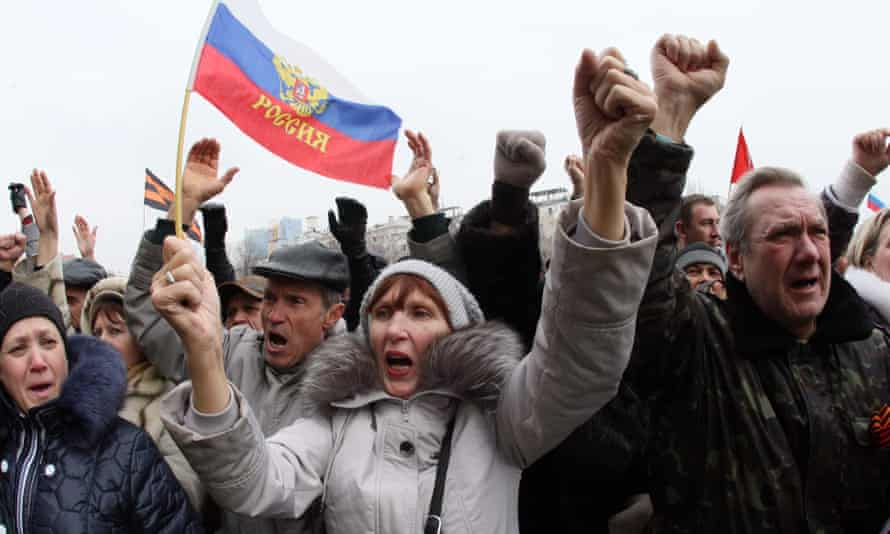 Pro-Russian activists in the eastern Ukrainian city of Donetsk.