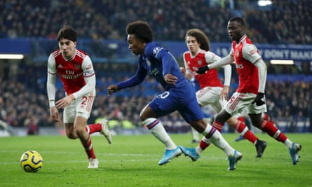 Willian, seen here for Chelsea in January, could be lining up alongside Héctor Bellerín and co next season.