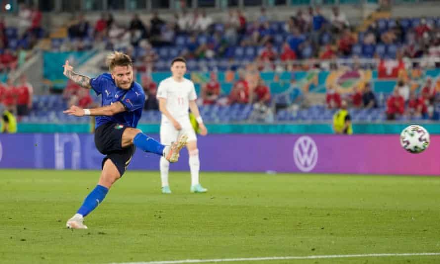 Ciro Immobile Italia ha segnato il terzo gol