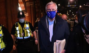 EU chief negotiator Michel Barnier arrives at St Pancras Station in London on November 8, 2020 as work continues on a trade deal between the EU and the UK. (Photo by JUSTIN TALLIS/AFP via Getty Images)