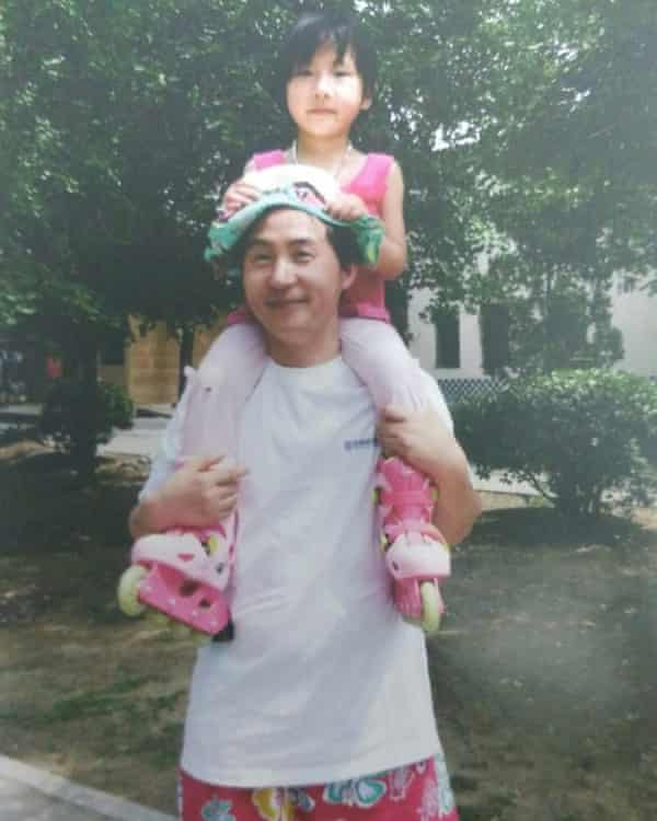 Li Heping pictured with his daughter.