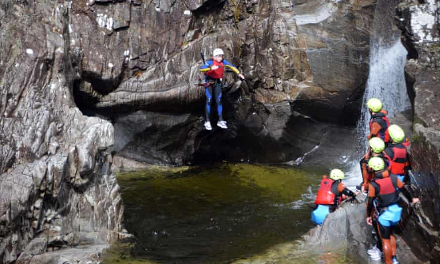 A group canyoning in the Bruar canyon