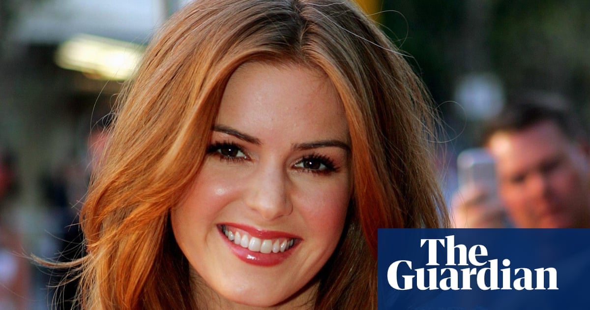 Isla Fisher: 'My guiltiest pleasure? Following Justin Bieber