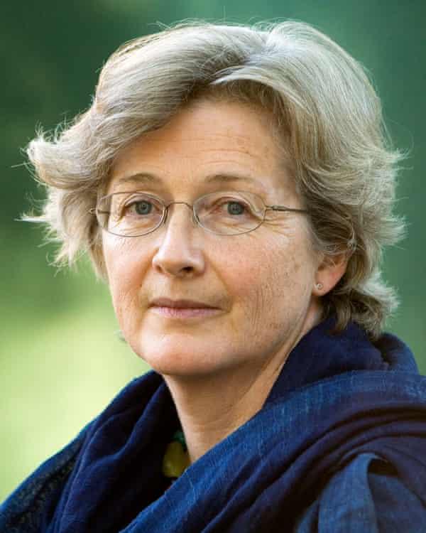 جورجینا هاردینگ.