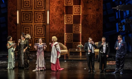 Cast of 'Dinner at Eight' by Bolcom Wexford Festival Opera Photo credit: © CLIVE BARDA/ArenaPAL;