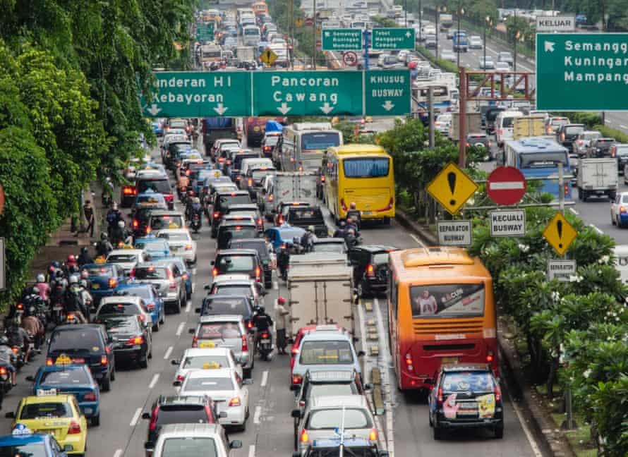 The number of cars in Jakarta is estimated to grow by up to 6,000 a day