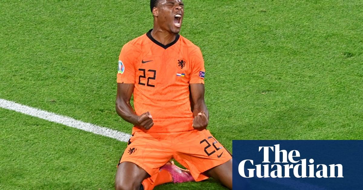 Dumfries heads Netherlands to 3-2 win and denies Ukraine's dream comeback
