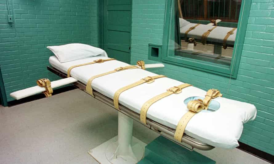 """A """"death chamber"""" at the Texas Department of Criminal Justice Huntsville Unit in Huntsville, Texas."""