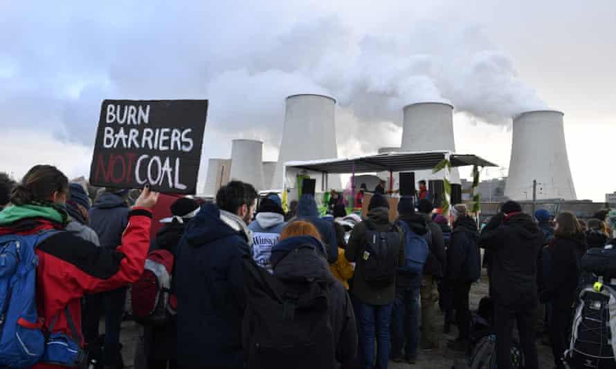 Anti-fossil fuel protesters at the Jänschwalde power plant in Brandenburg, eastern Germany