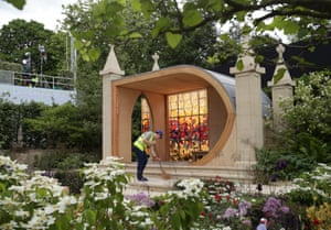 A workman puts the finishing touches to God's Own County – A Garden for Yorkshire