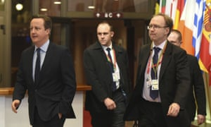 Sir Ivan Rogers (right) at an EU summit with David Cameron (left)