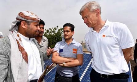 Secretary General of the Norwegian Refugee Council, Jan Egeland, speaks to people in Jabal Yazid district