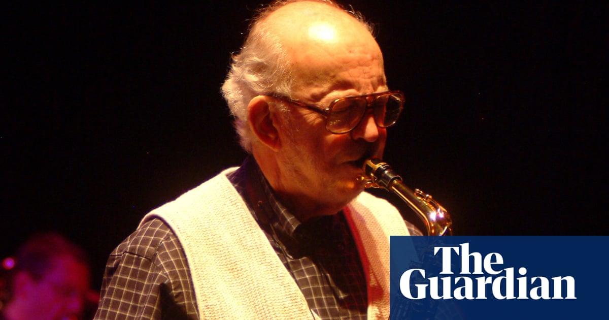 Lennie Niehaus, longtime Clint Eastwood composer, dies aged 90