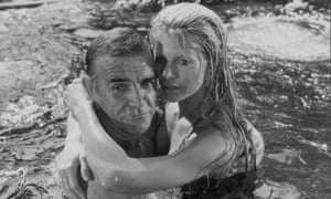 Sean Connery and Kim Basinger in Never Say Never Again.