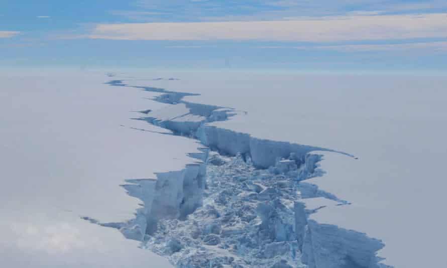 Rift in the Larsen C ice shelf, Antarctica
