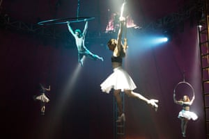 Bianco by NoFitState Circus at the Edinburgh festival in 2013.
