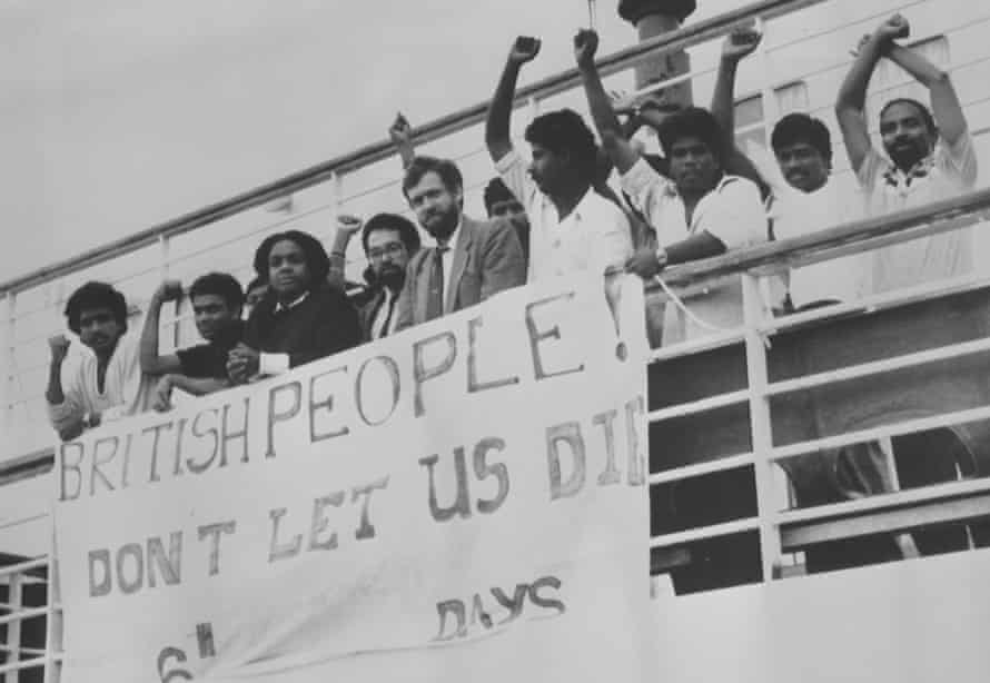Abbott with Jeremy Corbyn and protesting Tamil refugees on the Earl William detention ship in 1987.