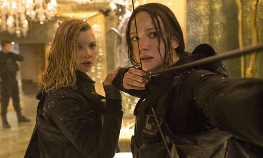 Natalier Dormer and Jennifer Lawrence in The Hunger Games: Mockingjay – Part 2.