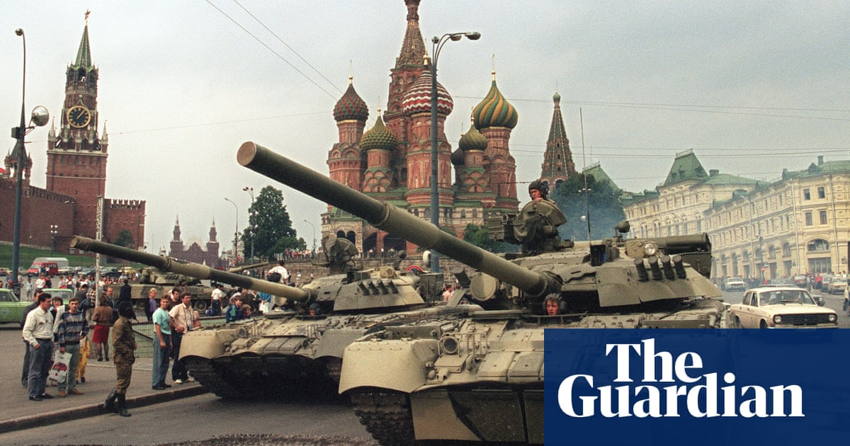 Communist hardliners stage coup against Gorbachev – archive, 20 August 1991