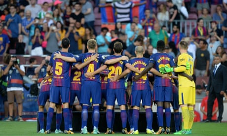 Barcelona unites for opening game of the football season