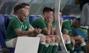 Rory Best and Jonathan Sexton look on late in the game.