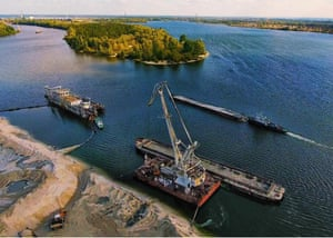 Dredging the Pripyat river within the Chernobyl exclusion zone