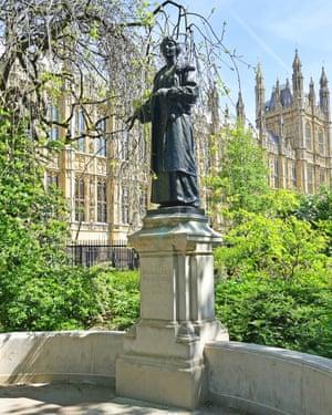 Statue of Emmeline Pankhurst.