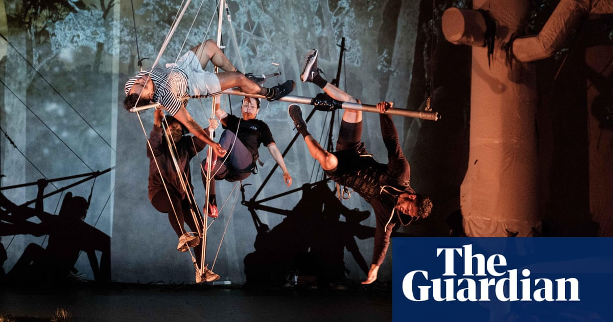 Dystopia, trauma and grotesque ballet: the gut-wre...