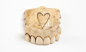 Partial upper walrus ivory denture with heart, C18th . Teeth is at the Wellcome Collection, London NW1