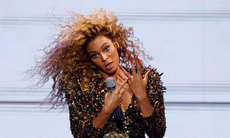 You had to Bey there ... Beyoncé at Glastonbury.