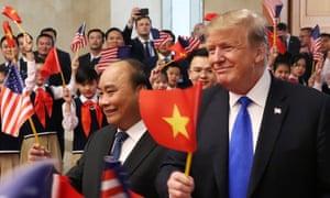 Trump meets with Vietnamese PM Nguyen Xuan Phuc ahead of Kim Jong-un summit