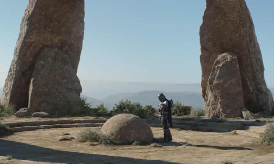 Between a rock and a hard place ... Mando and Grogu.