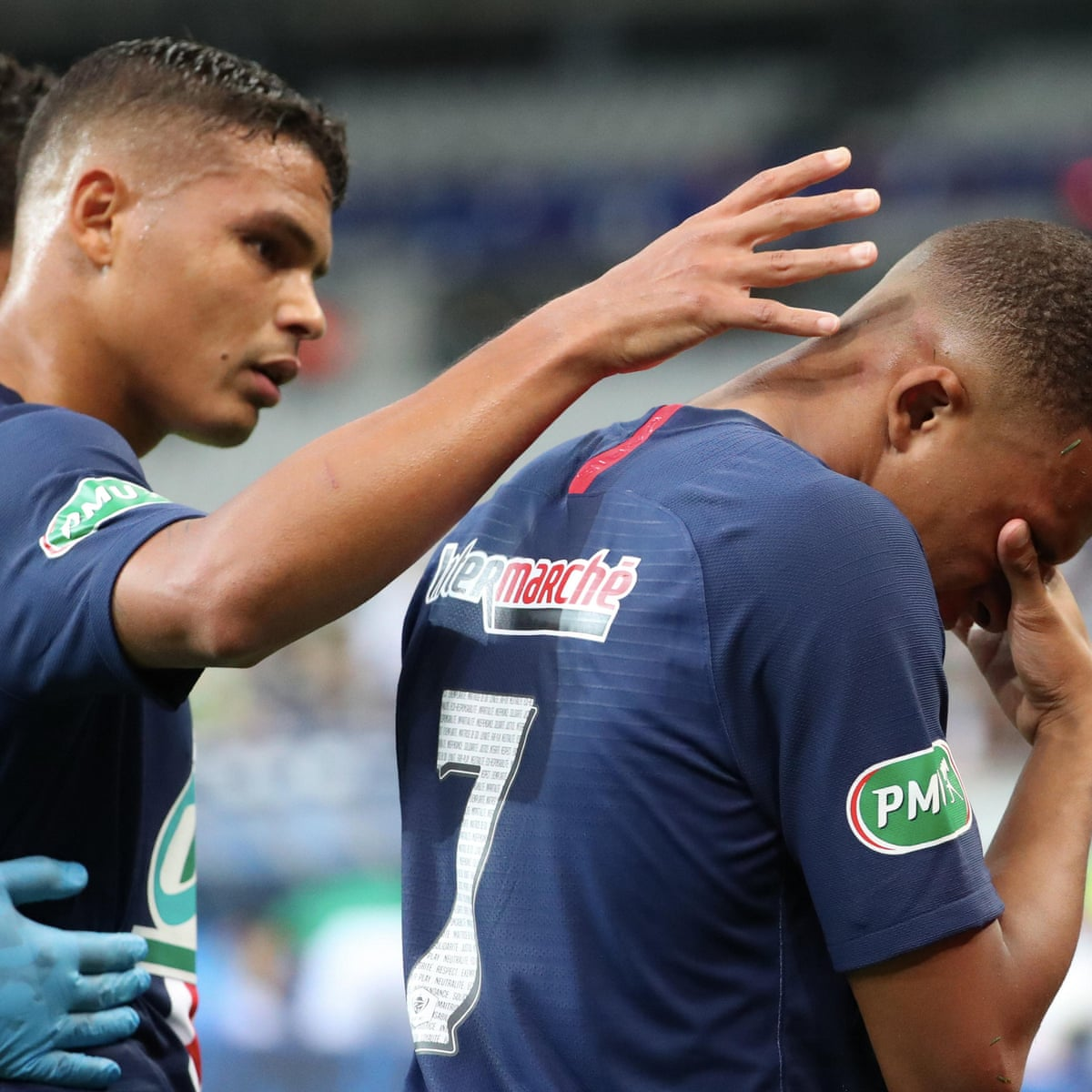 Mbappe Suffers Ankle Injury As Psg Beat 10 Man Saint Etienne To Lift French Cup Football The Guardian
