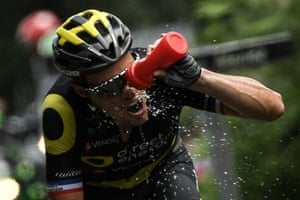 Sylvain Chavanel attempts to cool down during his one-man breakaway in the 204.5km fifth stage