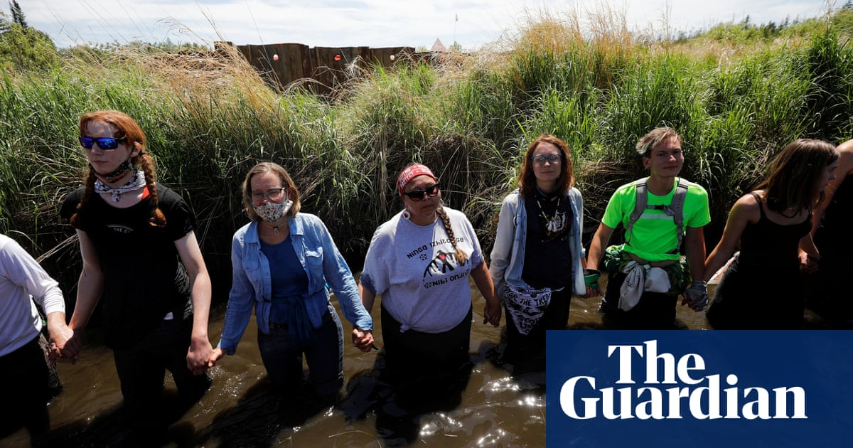 Line 3: protests over pipeline through tribal lands spark clashes and mass arrests