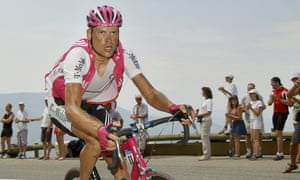 Jan Ullrich riding for T Mobile on the Col d'Echarasson in the 2004 Tour de France.